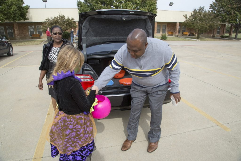 trunk-or-treat-2014